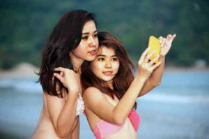 Thai girls in bikini for dating
